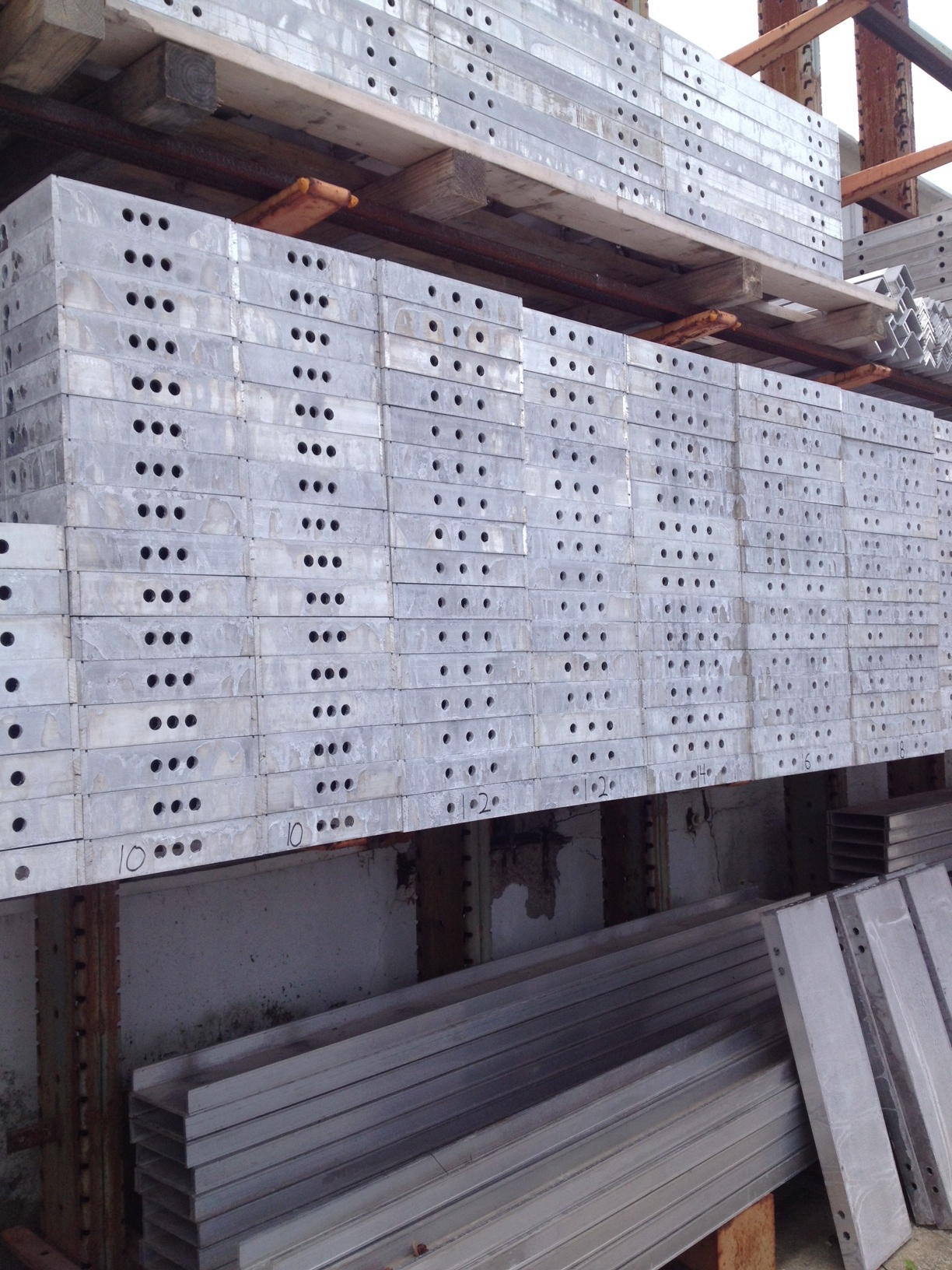 Smooth 4ft Aluminum Concrete Forms In Stock 6 12 Hole